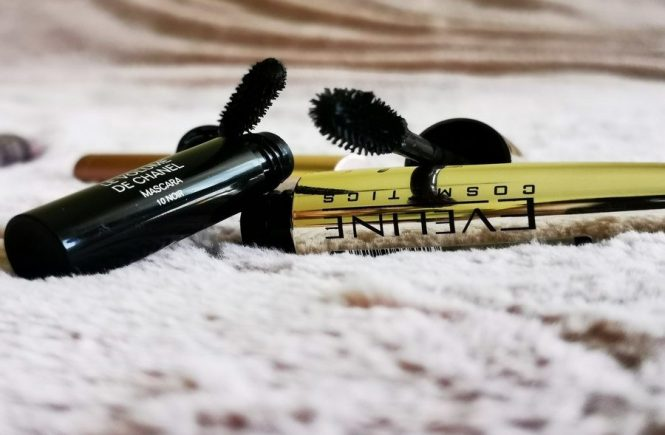 How to remove mascara