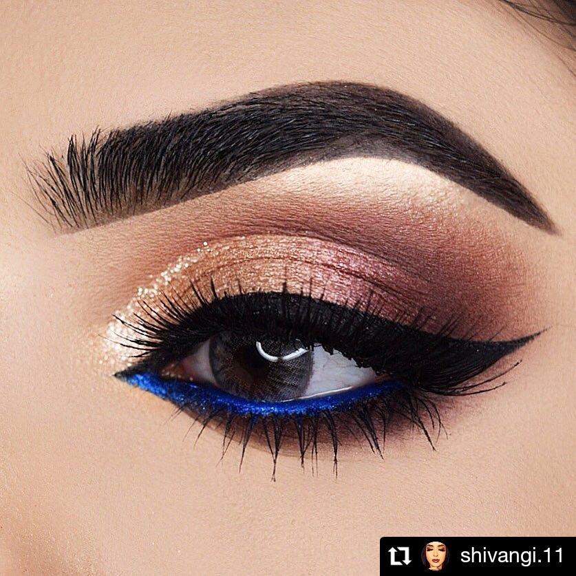 Blue Christmas Eye Makeup Look